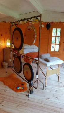 Gong & Bed 2