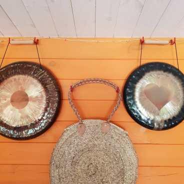 2-gongs+gong-bag-hanging